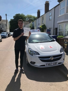 Congratulations to Mem Tahiri from Newmarket who passed 1st time in Cambridge on the 6-6-18 after taking driving lessons with MR.L Driving School.