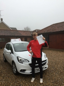 Congratulations to Ed Hughes from Dullingham who passed 1st time in Cambridge on the 20-12-18 after taking driving lessons with MRL Driving School