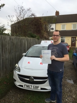 Congratulations to Sam Nicholas from Soham who passed his extended driving test at the 1st attempt in Cambridge on the 7-12-17 after taking driving lessons with MRL Driving School