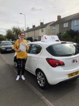 Congratulations to Roisin Boyle from Newmarket who passed 1st time in Cambridge on the 14-9-18 after taking driving lessons with MR.L Driving School.