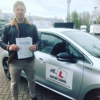 Congratulations to Sheldon Weinman from Cambridge who passed 1st time on the 5-4-19 after taking driving lessons with MR.L Driving School.