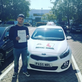 Congratulations to Dan Gilbert from Cambridge who passed 1st time on the 13-5-19 after taking driving lessons with MR.L Driving School.