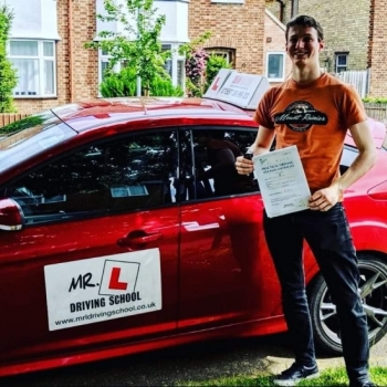Congratulations to Matthew Bell who passed in Cambridge on the 22-5-19 after taking driving lessons with MR.L Driving School.