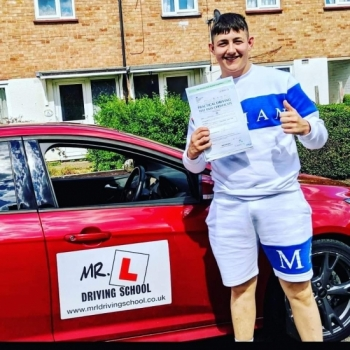 Congratulations to Bradley Lumb from Newmarket who passed 1st time in Cambridge on the 6-6-19 after taking driving lessons with MR.L Driving School.