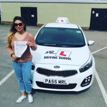 Congratulations to Becky Hewertson from Cambridge who passed 1st time on the 18-6-19 after taking driving lessons with MR.L Driving School.