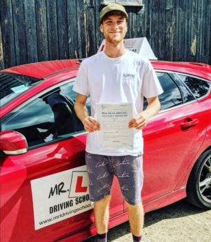 Congratulations to Joe Moore from Horningsea who passed in Cambridge on the 21-8-19 after taking driving lessons with MR.L Driving School.