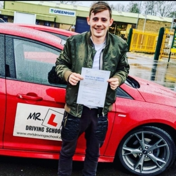 Congratulations to Kyle Astran from Newmarket who passed 1st time on the 20-12-19 after taking driving lessons with MR.L Driving School.