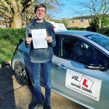 Congratulations to Liam Goodsell from Cambridge who passed 1st time on the 6-2-20 after taking driving lessons with MR.L Driving School.