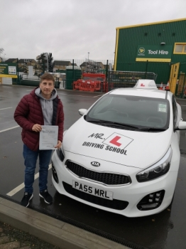 Congratulations to Charlie Arthur from Cambridge who passed on the 28-11-18 after taking driving lessons with MR.L Driving School.