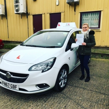 Congratulations to Ewelina from Newmarket who passed 1st time in Cambridge on the 18-1-19 with just 1 minor fault after taking driving lessons with MR.L Driving School.