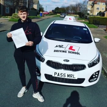 Congratulations to Sean Sheppard from Newmarket who passed 1st time in Cambridge on the 11-3-19 after taking driving lessons with MR.L Driving School.