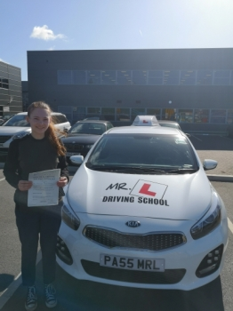 Congratulations to Lindsay Haughan from Cambridge who passed 1st time with just 2df´s on the 25-3-19 after taking driving lessons with MR.L Driving School.