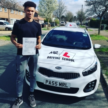 Congratulations to Massie Gibbard from Cambridge who passed 1st time with just 2df´s on the 25-3-19 after taking driving lessons with MR.L Driving School.