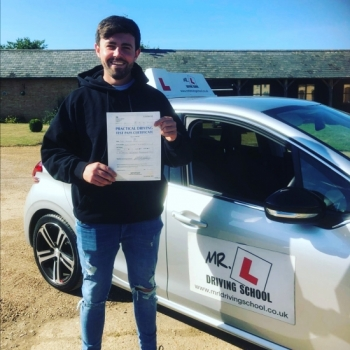 Congratulations to Alex Hale from Haddenham who passed in Cambridge on the 19-9-19 after taking driving lessons with MR.L Driving School.