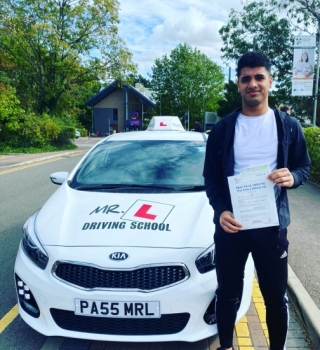 Congratulations to Usman from Newmarket who passed 1st time in Cambridge on the 23-9-19 after taking driving lessons with MR.L Driving School.