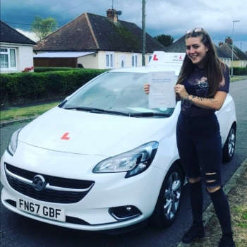 Congratulations to Sophie Crane from Soham who passed 1st time in Cambridge on the 24-9-19 after taking driving lessons with MR.L Driving School.