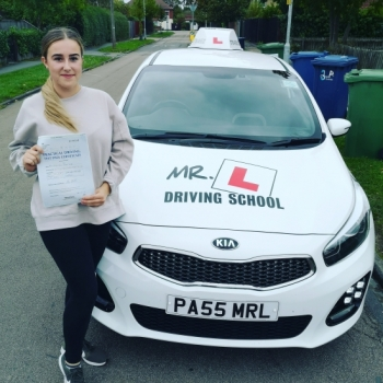Congratulations to Zayla from Cambridge who passed on the 11-10-19 after taking driving lessons with MR.L Driving School.