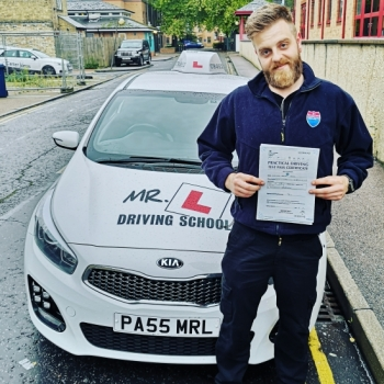 Congratulations to Nathan who passed 1st time in Cambridge on the 14-10-19 after taking driving lessons with MR.L Driving School.