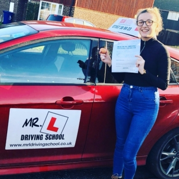 Congratulations to Zoe Bolan who passed 1st time in Bury St Edmunds on the 6-11-19 after taking driving lessons with MR.L Driving School.