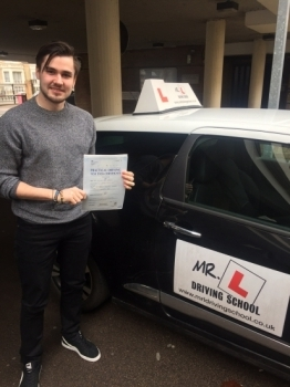 Congratulations to Billy Pridgeon from Bar Hill who passed 1st time in Cambridge on the 10-3-16 after taking driving lessons with MRL Driving School
